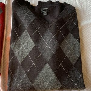 Men's Apt 9 merino blend sweater